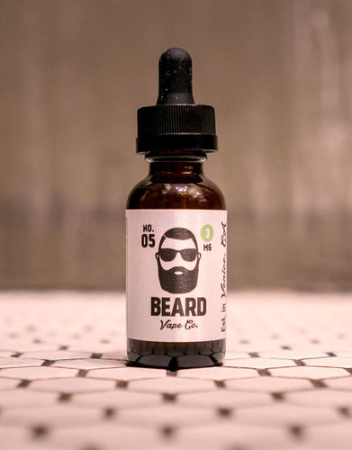 No.05 (Strawberry Cheesecake) Beard Premium E~Liquids